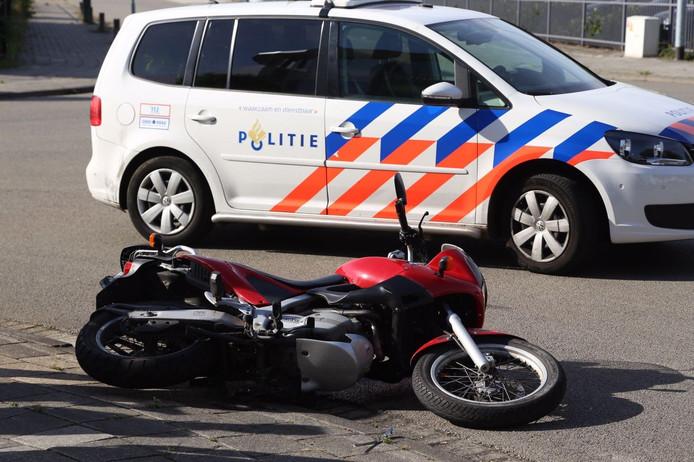 De motorrijder raakte gewond bij de aanrijding