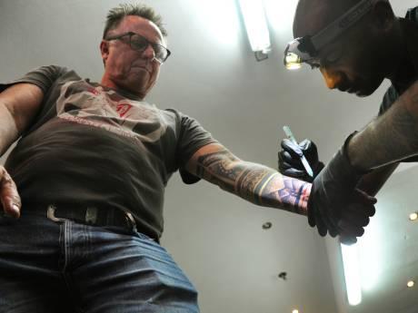 Zeeuwen zetten een tattoo voor de Molukken