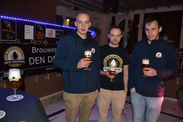 Hobbybrouwers van brouwerij Den Druppel Paul Schraepen, Stijn Vaes en Stein Wuestenberghs.
