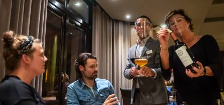 Hoteleigenaren niet blij met avondklok voor alcohol: 'Er mag zelfs geen alcohol meer in het glas zitten'