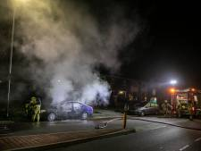 Twee auto's kort na elkaar in brand gestoken in Velp