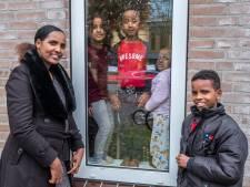 Na acht jaar sluit de gevluchte Eritrese Selam (29) haar zoontje Kapi (11) weer in de armen: 'Er was zoveel stress, buikpijn, hoofdpijn en verdriet'