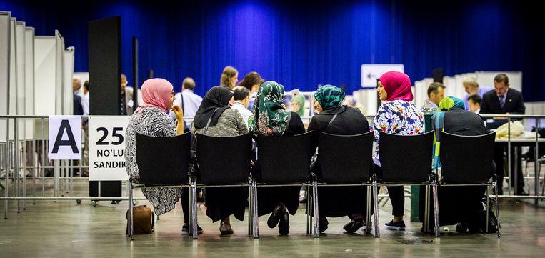Nederlandse Turken stemmen in 2014 in Ahoy op een nieuwe Turkse president. Beeld ANP