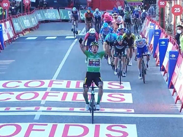 Roglic pakt de etappe en het rood
