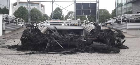 Elektrische auto ontploft zomaar in Enschede, staat ons dat vaker te wachten?