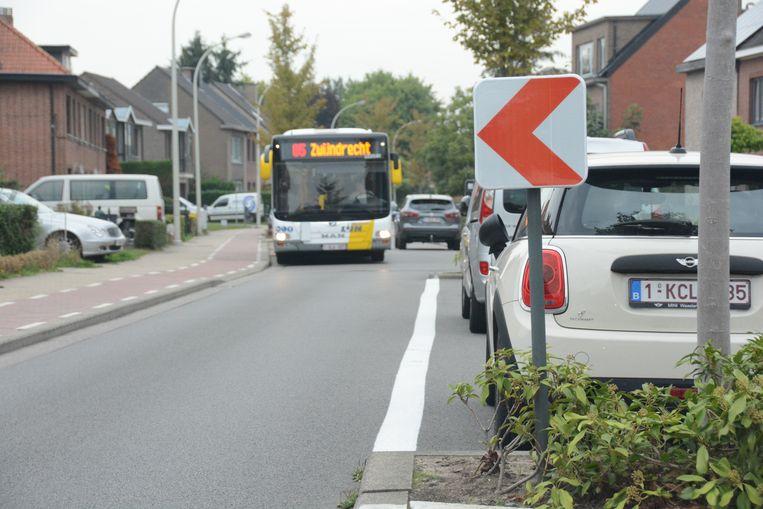 Door de asverschuivingen moet chauffeurs voldoende hoffelijk zijn om te kunnen kruisen.
