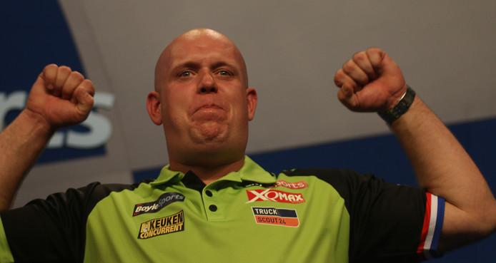 Michael van Gerwen verslaat Price.