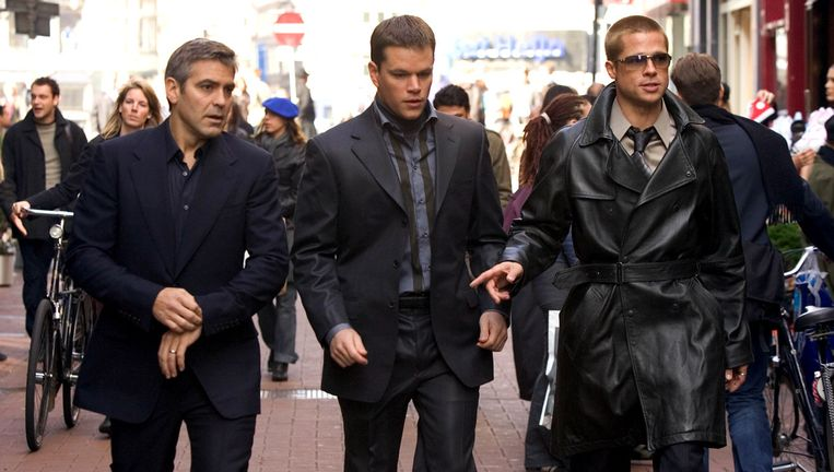 George Clooney, Matt Damon en Brad Pitt in Amsterdam tijdens de opnamen voor Ocean's Twelve (2004). Beeld