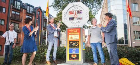 Gedenkplaat onthuld voor 25 jaar Ledebergse Feesten