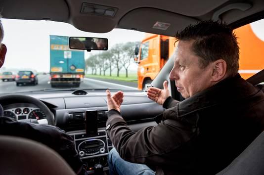 Verkeerspsycholoog Gerard Tertoolen maakt met het AD een testrit over de A12, Utrecht-Den Haag om te duiden waarom het aantal ongevallen op dit wegvak toeneemt