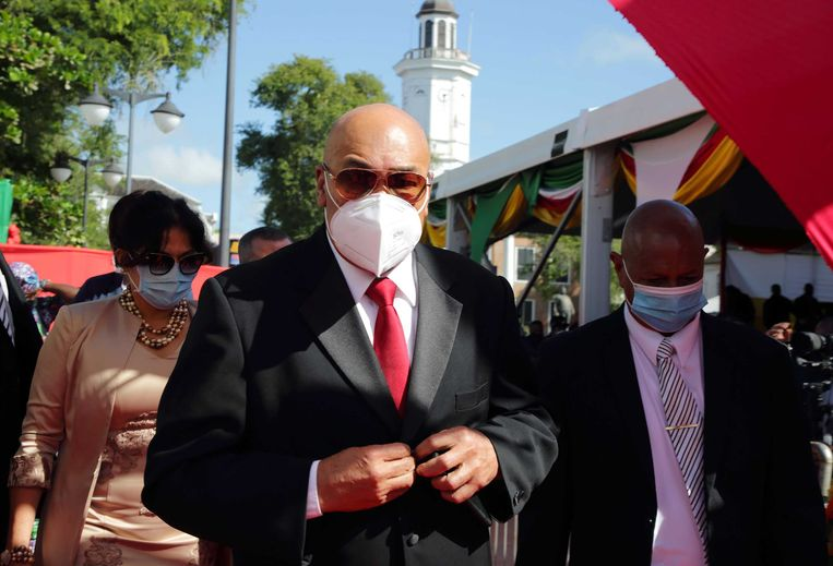 Desi Bouterse arriveert voor de inauguratie van Chan Santokhi als president van Suriname.  Beeld ANP