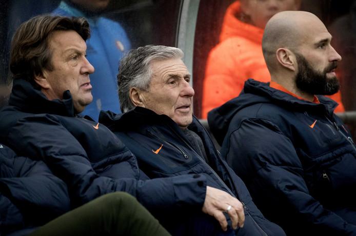 Coaches Sjaak Swart en Bennie Wijnstekers.
