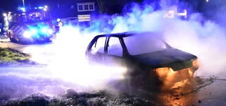 Auto in vlammen opgegaan in Nederhemert