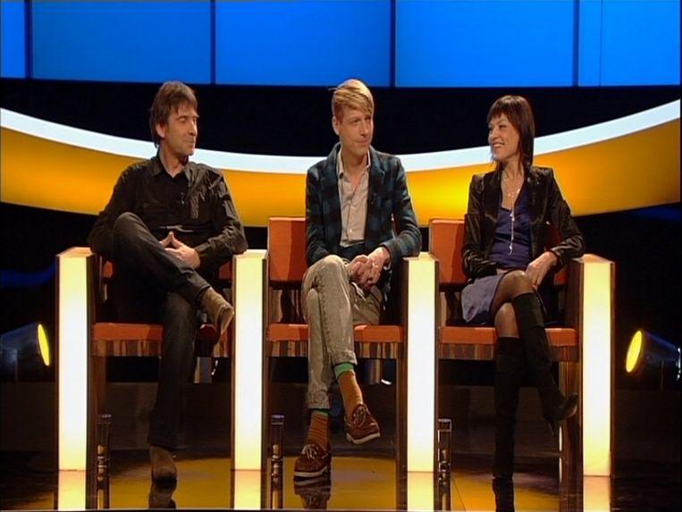 Linda De Win (rechts) tijdens haar deelname aan 'De Slimste Mens ter Wereld', hier met Luk Alloo (links) en Bent Van Looy (midden).