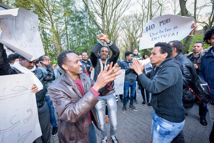 Demonstranten probeerden de conferentie in Koningshof te verstoren.