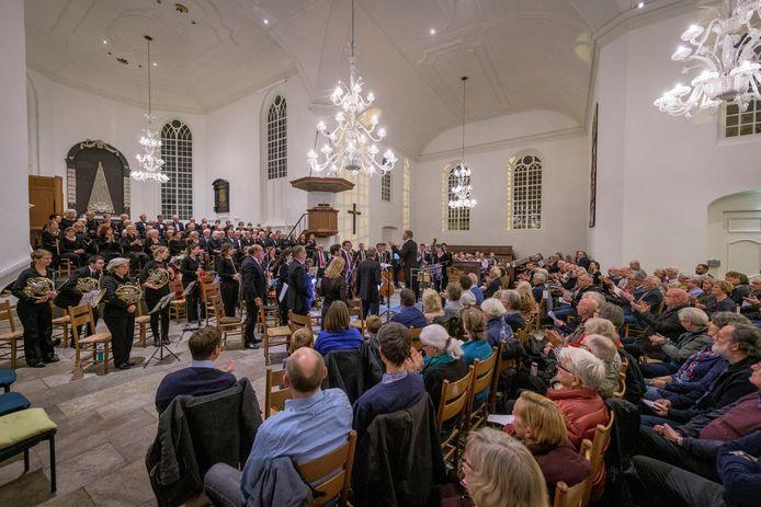 Een volle Grote Kerk tijdens een concert in betere tijden.