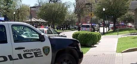 Politie Houston rukt massaal uit na melding schutter in ziekenhuis