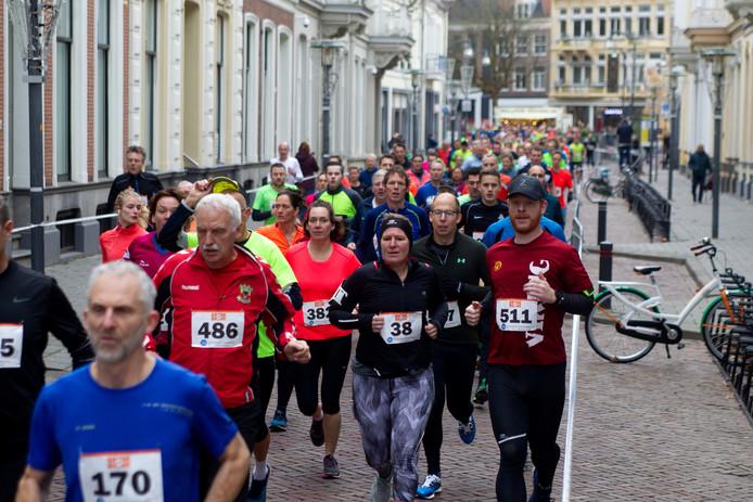 Aan de Brink tot Brinkloop deden ruim 1400 lopers mee, veel meer dan vorig jaar.