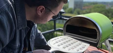 Pizza-oven: Even opstoken tot 500 graden en dan heb je de beste pizza ooit
