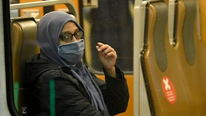 53 metrogebruikers dragen geen mondmasker aan station Elisabeth