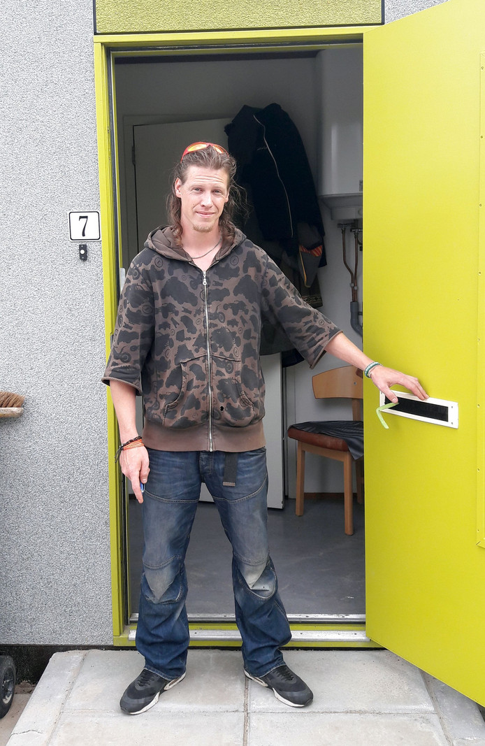 Jeroen, bewoner van de eerste prikkelarme woning in Nijverdal.