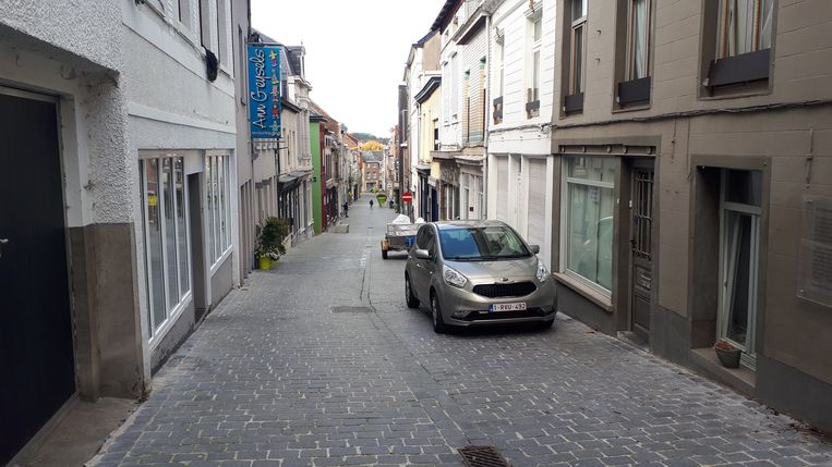 De politie viel ook binnen in een woning in de Nieuwstraat.