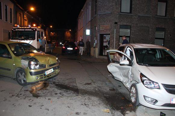 Op het kruispunt van de Koning- en de Weststraat in Menen raakte Maria (80) gewond toen de Opel van haar zoon in de flank gegrepen werd. Ze zat op de achterbank.