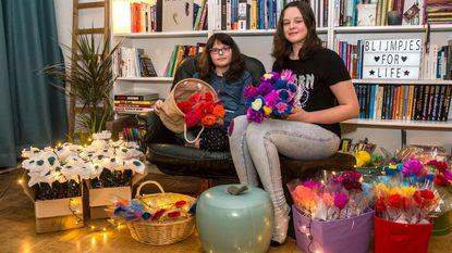 Ella en Tina maken al drie maanden 'Blijmpjes'