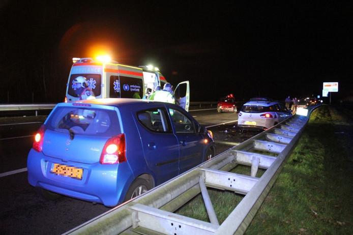 Bij het ongeluk op de A32 waren zes auto's betrokken.