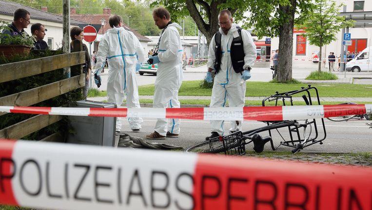 Forensisch onderzoek op de plek waar een 27-jarige man meerdere mensen met een mes heeft aangevallen. Beeld getty