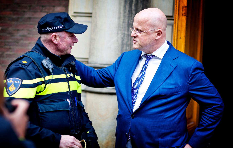 Politie Krijgt Bijna 100 Miljoen Om Werkdruk Te Verlagen