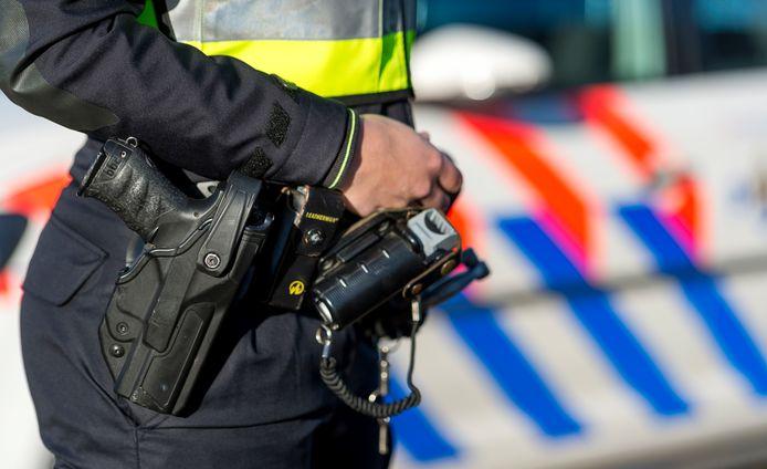 Dordtenaar N.V. (42) bespuugde agenten toen zij hem op 22 oktober zwaar onder invloed van GHB aantroffen in een Gorcumse woning.