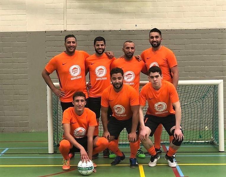 Kortrijk United, met de ploeg van vorig seizoen.