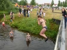 Paniek in Twente: tientallen kinderen ziek, waarschijnlijk door duik in beek met poepbacterie