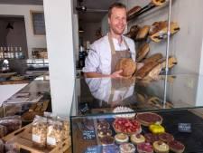 Twintig uur bezig met een zuurdesembrood; Luuks Brood & Patisserie in Middelburg