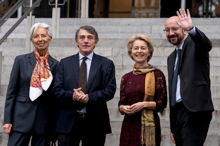 Van links naar rechts: president van de ecb Christine Lagarde, voorzitter van het Europees Parlement David Sassoli, voorzitter van de Europese Commissie Ursula von der Leyen en voorziter van de Europese Raad Charles Michel.  Beeld null