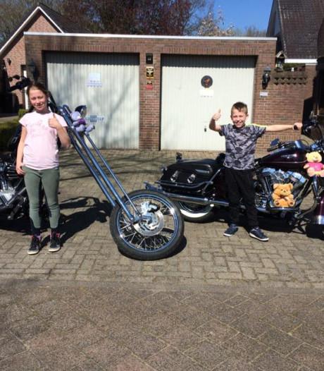 Geen gezelligheidsrit, dan maar poseren met grote Harley Davidsons in Rucphen