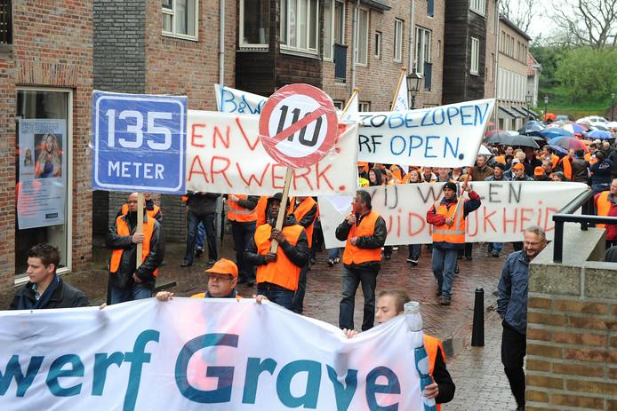Een protestmars in Grave in 2012 mocht niet baten.