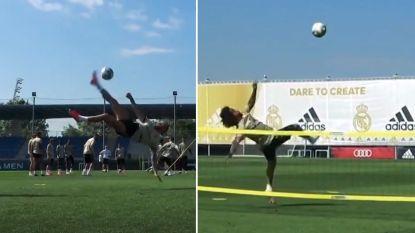 Ramos en Marcelo halen de trukendoos boven tijdens partijtje tennisvoetbal bij Real