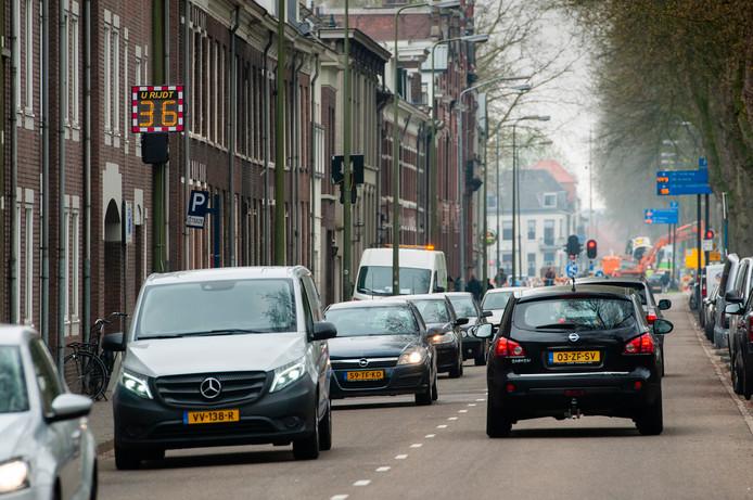 Den Bosch. De Zuid Willemsvaart in's-Hertogenbosch gezien in de richting van café De Unie