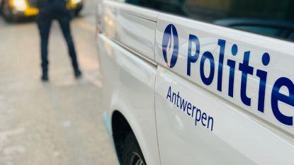 Niet slim: bestuurder inhaleert lachgas voor de neus van politie
