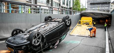 Arnhemse Willemstunnel tijdelijk dicht vanwege mogelijk te gladde putdeksels