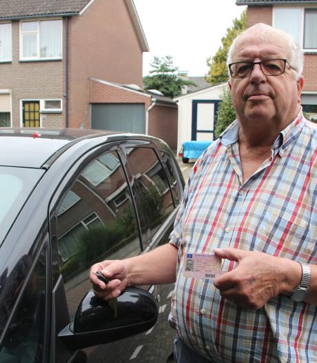 Borculoër Jos Vaalt wacht al maanden op nieuw rijbewijs: 'Gelukkig helpen we elkaar hier'