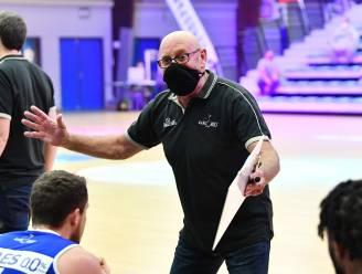 """Coach Paul Vervaeck (Kangoeroes Mechelen) ziet jeugdspeler Vic Van Oosterwyck stappen zetten: """"Vic heeft deze zomer had gewerkt met Daphne Van Dessel"""""""