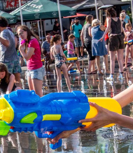 Watergevecht op Marktplein Hengelo 'verkeerd signaal'