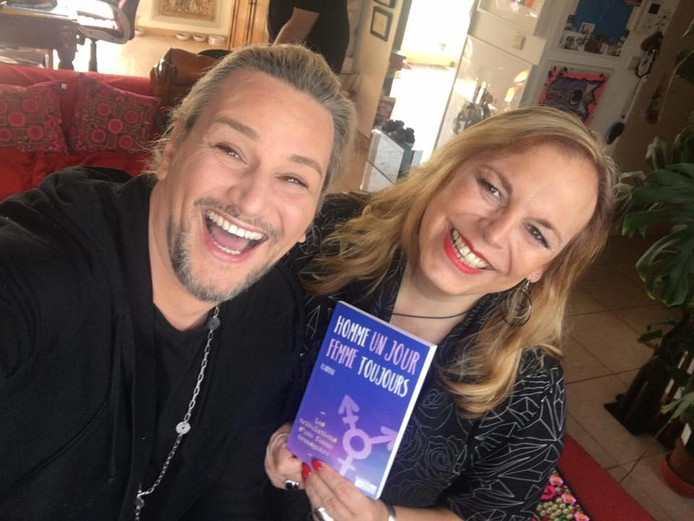 Avec son ami David Jeanmotte, qui l'a poussée à écrire son livre.