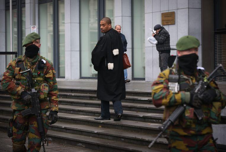Militairen aan het Brusselse justitiepaleis.