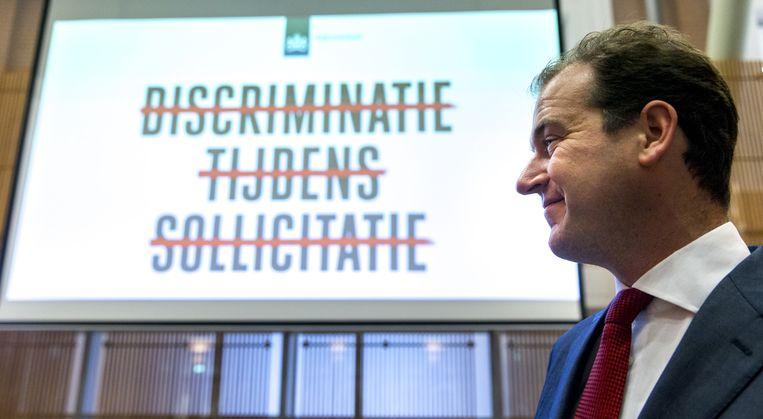 Minister Lodewijk Asscher gaf al eerder deze maand het startsein voor en campagne tegen arbeidsmarktdiscriminatie. Beeld anp