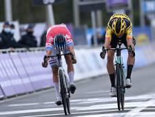 Van der Poel klopt aartsrivaal Van Aert op de streep na schitterende 'Vlaanderens Mooiste'