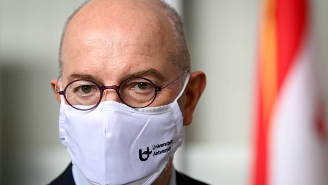 """Epidemioloog Pierre Van Damme: """"Binnen tien dagen kraakt ons zorgsysteem. Deze golf wordt erger dan de vorige"""""""